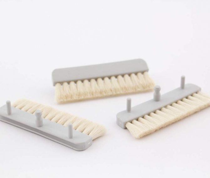 Folder insert brushes x3